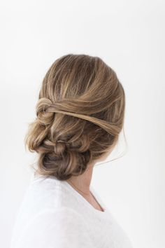Bridal braid: http://www.stylemepretty.com/2015/05/15/bridal-beauty-messy-braid/ | Photography: Ruth Eileen - http://rutheileenphotography.com/