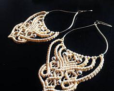 Les boucles d'oreilles en argent sterling en macramé bricolage, boucles d'oreilles beige macramé, boucles d'oreilles argentées, bijoux en argent sterling, boucles d'oreilles