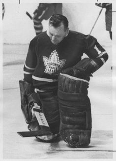 Johnny Bower, Toronto Maple Leafs Hockey Goalie, Hockey Teams, Hockey Players, Sports Teams, Nhl, Maple Leafs Hockey, Goalie Mask, Vancouver Canucks, Sports Figures