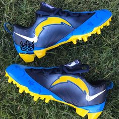Nike Cleats, First Ever, Bro, Me Too Shoes, Gucci, Pairs, Instagram, Nike Soccer Cleats