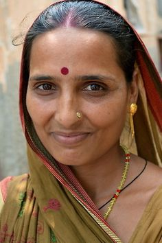 Indian Face, Beautiful Women Over 40, Want To Be Loved, People Of The World, Real Beauty, Our Love, Indian Beauty, Maid, Desi