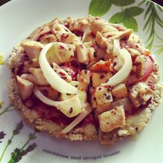 Healthie Panda: Thick clean pizza base made from oatmeal! Note to self: blending the oats first may make a better base?