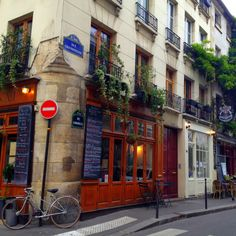postcards from paris, france | the accidental tour guide