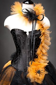 Artículos similares a Custom Size Orange and Black Feather Burlesque Corset Witch costume with Hat available in sizes small through en Etsy Witch Costumes, Halloween Costumes, Halloween Ideas, Halloween Decorations, Halloween Stuff, Cute Witch Costume, Halloween Photos, Halloween 2019, Diy Costumes