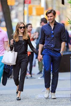 Olivia Palermo masters the overall trend with a monochromatic black look