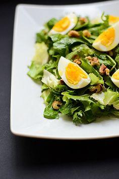 Salată cu spanac, rucola şi ou | Anason cu lapte Seaweed Salad, Cobb Salad, Food And Drink, Cooking Recipes, Ethnic Recipes, Diet, Spinach, Chef Recipes