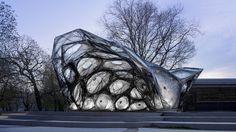 University of Stuttgart unveils carbon-fibre pavilion based on beetle shells