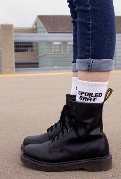 Dr. Martens + chaussettes à messages = OUI !