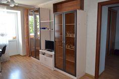 Предлагаем для долгосрочной аренды в Ставрополе  3 - комнатная квартира по адресу Ботанический 10а,, ремонт современный,кухонный гарнитур, шкаф-купе, 2-х спальная кровать, мягкая мебель, общей площадью 75.1 кв.м, дом Кирпич, Центральное отопление, Газ-плита, наличие бытовой техники - стиральная машина (+), холодильник (+), телевизор (ЖК),парковка стихийная, номер объявления - 35726, агентствонедвижимости Апельсин. Услуги агента только по факту заключения договора.Фотографии…