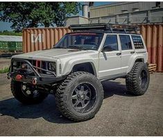 Save by Hermie Lifted Jeep Cherokee, Cherokee Sport, Jeep Grand Cherokee, Jeep Xj Mods, Jeep Suv, Jeep Truck, Jeep Sport, Jeep Baby, Jeep Camping