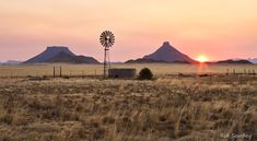 *🇿🇦 Warm Winter Glow in the Karoo (South Africa) by Rob Southey Landscape Art, Landscape Paintings, Old Windmills, Winter Sunset, Old Farm Houses, Le Moulin, Africa Travel, Fine Art Photography, Travel Photography