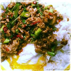 pad krapao moo sap - the most common Thai food