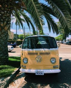 Beach Aesthetic, Retro Aesthetic, Summer Aesthetic, Aesthetic Yellow, Aesthetic Pastel, Aesthetic Grunge, Photo Wall Collage, Picture Wall, Cute Cars