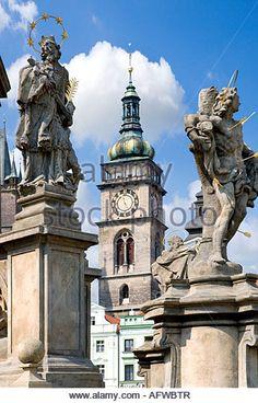Bílá Věž a Mariánský sloup Hradec Králové Czech Republic, Statue Of Liberty, Clocks, Blood, To Go, Castle, Outdoors, Country, City