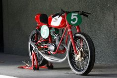 It's a 1962 Ducati 48 Sport—which was known as the Falcon in the US. And despite its diminutive capacity, this two-stroke was capable of a healthy 50 mph. Ducati Cafe Racer, Moto Ducati, Ducati Motorcycles, Vintage Motorcycles, Custom Motorcycles, Custom Bikes, Cafe Racers, Yamaha, Motorcycle Engine