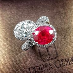 New from Burma Vivid Red Ruby with G Color Internally Fawless Oval Cut Diamond in white gold diamond ring White Gold Diamonds, Colored Diamonds, Jewelry Rings, Fine Jewelry, Gems And Minerals, Pink Sapphire, Beautiful Rings, Metallica, Ruby Rings