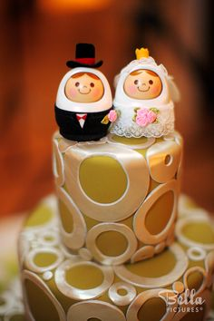 Totally adorable cake topper!