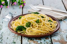 Roberta's Agilo E Olio With Broccoli Rabe: Enjoy this traditional Italian pasta dish!