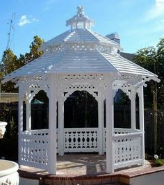 Gazebo with slat roof Backyard Gazebo, Garden Gazebo, Backyard Lighting, Deck With Pergola, Pergola Patio, Garden Buildings, Garden Structures, Outdoor Structures, Outdoor Spaces