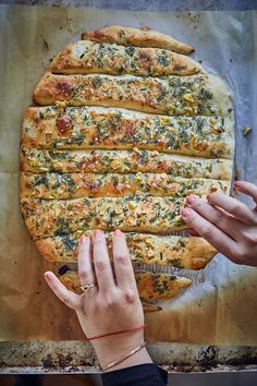 Ramadan Desserts, Bread Recipes, Cooking Recipes, Naan Recipe, Bread Cake, Cooking Gadgets, Garlic Bread, Diy Food, No Cook Meals