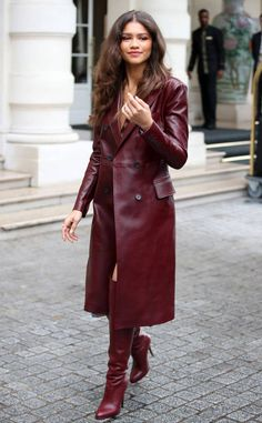 Zendaya from The hottest photos! The actress is seen arriving at the Zendaya x Tommy event in Paris. Mode Zendaya, Zendaya Outfits, Zendaya Style, Winter Coats Women, Coats For Women, Leather Trench Coat, Leather Coats, Hottest Photos, Fashion Outfits
