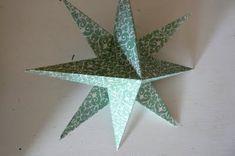 Make Hanging Christmas Stars. - The Magic Onions 3d Star, Star Diy, Hanging Stars, Diy Hanging, Diy Christmas Star, Christmas Crafts, Xmas, Folded Paper Stars, Stars Craft