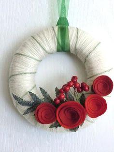 Mmm... classic Christmas wreathe