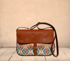 c367237aa 18 melhores imagens de bolsas | 배낭, 지갑 e 토트 백