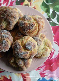 www.kivistossa.com Doughnut, Muffin, Bread, Breakfast, Desserts, Recipes, Food, Posts, Morning Coffee