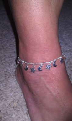 Anklets: The most irritating form of jewelry. Making you constantly feel as though you were being tickled or pestered by a fly. | 34 Pieces Of Super '90s Jewelry