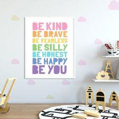 Kids Printable Art: Be Kind Be Brave Be Happy, Kids Quote Prints, Pastel Playroom Decor, Toy Room De Baby Nursery Art, Baby Room Art, Baby Wall Art, Art Wall Kids, Printing Websites, Childrens Wall Art, Toy Rooms, Playroom Decor, Kids Prints