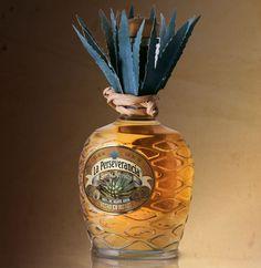 Tequila La Perseverancia / diseño de marca y empaque. Tequila Bar, Tequila Bottles, Alcohol Bottles, Liquor Bottles, Drink Bottles, Alcohol Spirits, Wine And Spirits, Rum Bottle, Bottle Art