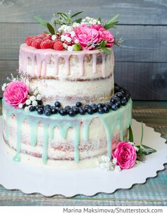 Hochzeitstorte mit Beeren für Hochzeit