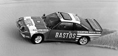 … legte Opel den Manta 400 in der Rennversion auf. Hier eine Aufnahme von der Rallye Paris–Dakar 1983. Ein Jahr später …