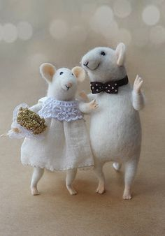 Hey, I found this really awesome Etsy listing at https://www.etsy.com/listing/208481460/needle-felted-mouse-couple-mice-wedding