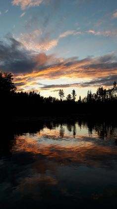 Taivas lyö tulta. Sky is on fire. #lake #Puula #Finland #sky #sunset # auringonlasku #iltarusko
