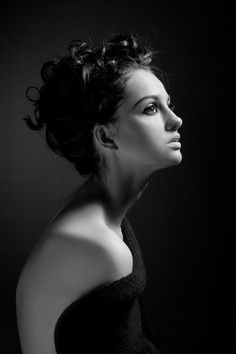Portrait (absolutely beautiful curves and light)