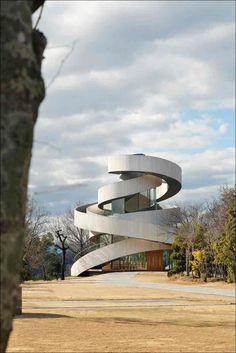 Часовня со спиральными лестницами от архитектора Хироши Накамура