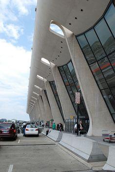 Dulles Airport - Eero Saarinen