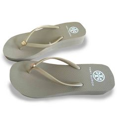 046d73180329ba NEW TORY BURCH Flip Flops Wedge Flop Beach Sandals Design Khaki Wedge Tan  Sole