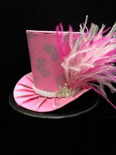 Artículos similares a Bastante en color de rosa princesa Mini sombrero de  copa. Ideal para fiestas de cumpleaños 09ba22cc126