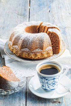 Helppo ja murea kahvikakku | Reseptit | Anna.fi Ketogenic Recipes, Keto Recipes, Cake Recipes, Fruit Bread, Baked Donuts, Little Cakes, Sugar Rush, Trifle, Keto Dinner