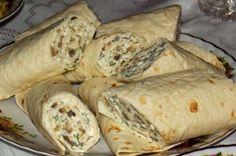 Aperitive festive - simonacallas Tortilla Rolls, Tortilla Wraps, Tortillas, Ricotta, Fresh Rolls, Food Art, Baked Potato, Food And Drink, Appetizers