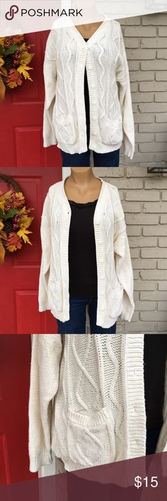 Cabin Creek ivory cardigan Comfy ivory cardigan with button down front. Size Petite XL (16/18) but probably best for 12-16. Has pockets! Cabin Creek Sweaters Cardigans