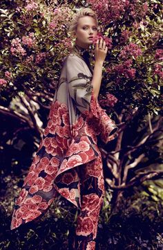 "collections-from-vogue: "" Annabella Barber in ""A Rose Down Under"" Photographed By Jaclyn Adams & Styled By Vass Arvanitis For Plaza Kvinna "" Floral Fashion, High Fashion, Fashion Design, Fashion Fashion, Feminine Fashion, Kimono Fashion, Feminine Style, Fashion News, Fashion Shoot"