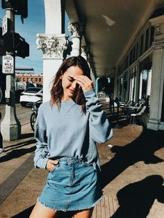 Shared by . Find images and videos about clothes, fashion and outfit on We Heart It - the app to get lost in what you love. Casual Outfits, Cute Outfits, Fashion Outfits, Fashion Trends, Skirt Fashion, Casual Skirts, Fashion Bloggers, Work Outfits, Fashion Ideas