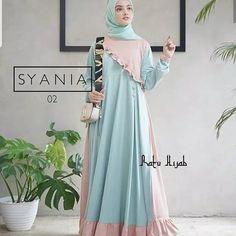 Batik Fashion, Abaya Fashion, Fashion Outfits, Dress Muslim Modern, Muslim Dress, Hijabi Gowns, Moslem Fashion, Latest African Fashion Dresses, Target Dresses