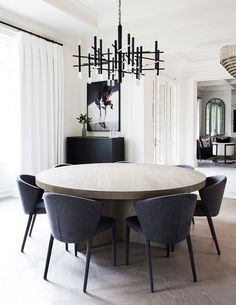 47 Trendy Dining Room Designs Ideas You Cant Miss Out. When considering dining room design in your home, you primarily have the décor and furniture to consider. Dining Room Lighting, Dining Room Sets, Dining Room Design, Dining Room Table, Dining Chairs, Luxury Dining Room, House Lighting, Oak Table, Luxury Living