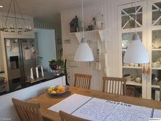 keittiönpöytä,keittiön sisustus,keittiön tasot,keittiö,remontti,Tee itse - DIY,lantligt kök,vitt och svart kök,minun keittiöni