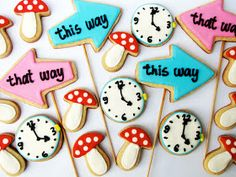 PETIT FOUR: Alice in Wonderland Cookies.